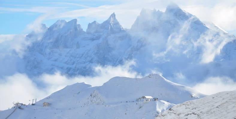 Ski Total | Snowy mountains in Avoriaz