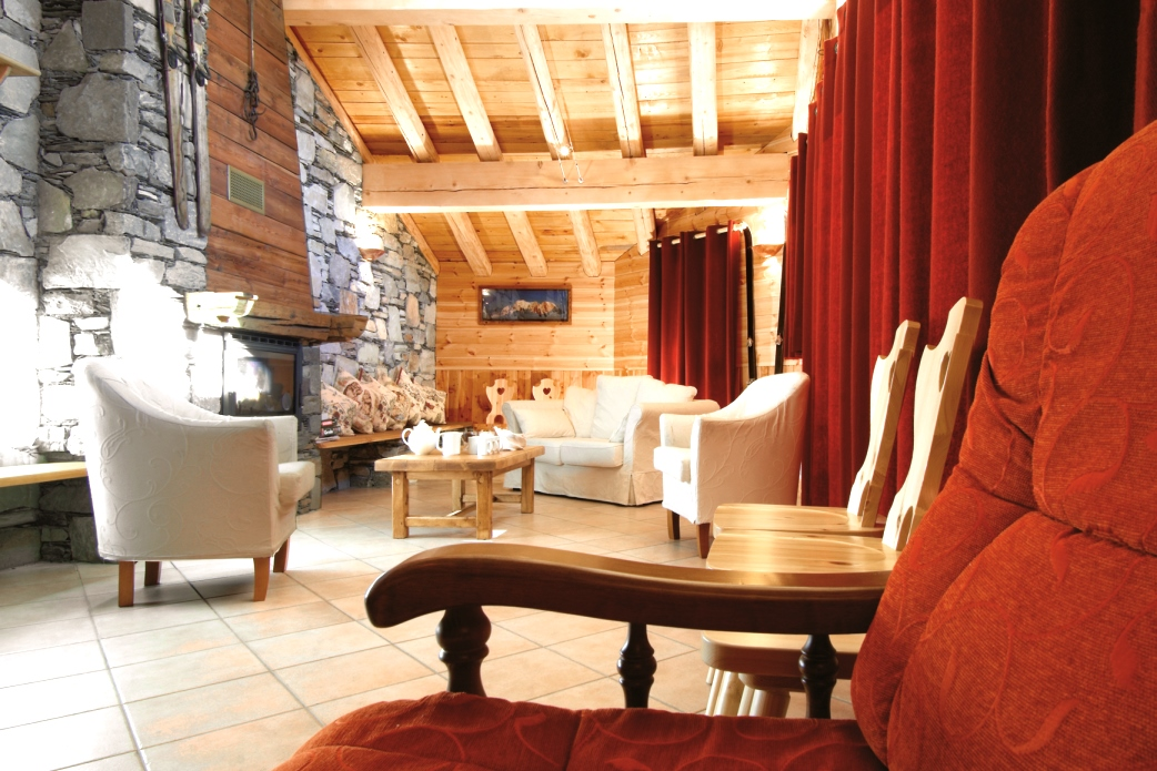 Ski Total | Lounge in the chalet Anne Marie