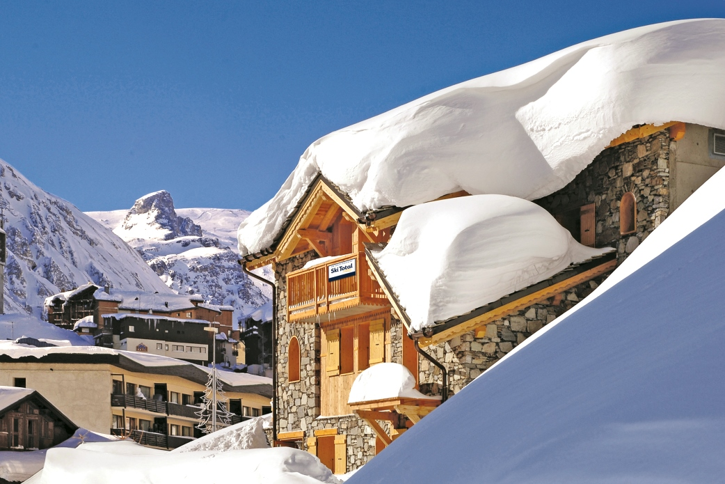 Ski Total | Exterior view of the chalet Marie