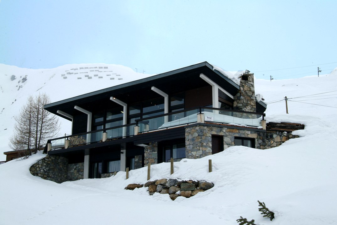 Ski Total | Exterior view of the chalet Atlas