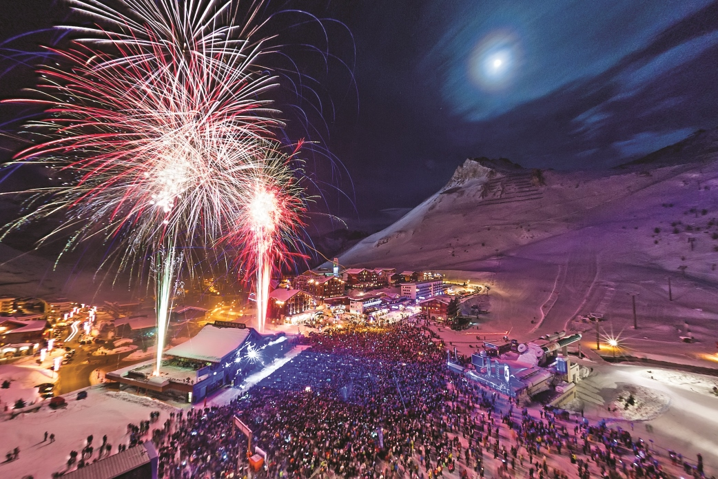 Ski Total | Fireworks In Tignes Fire Mix Party