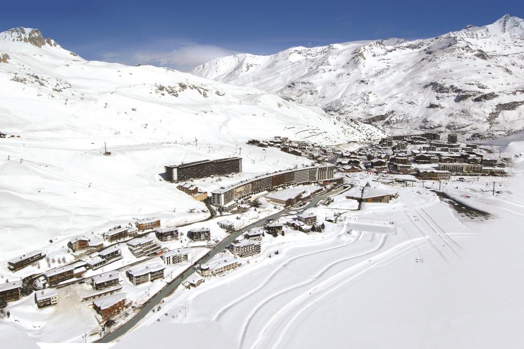 Ski Total | Birdseye view of Tignes Le Lac