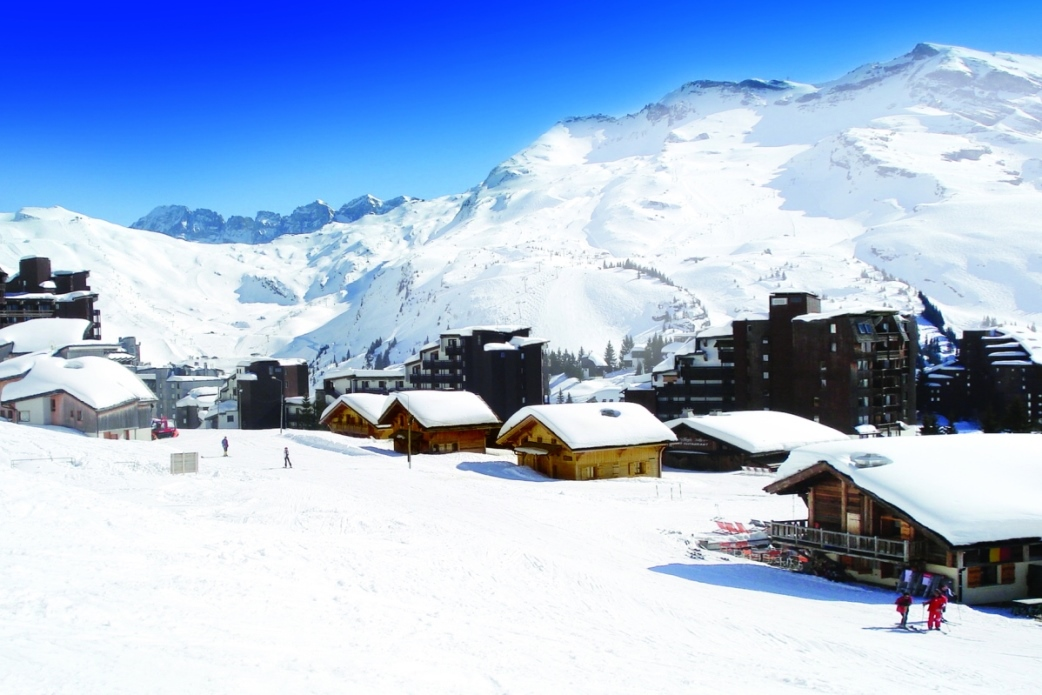 Ski Total | Ski Total chalets right in the centre of Avoriaz, ski in ski out