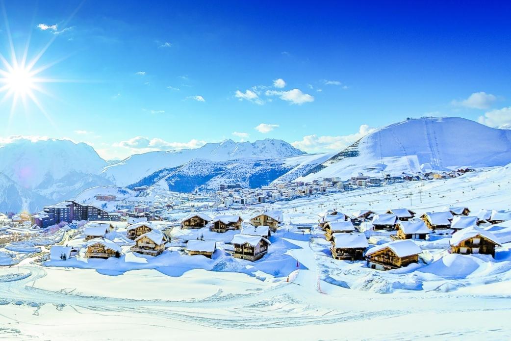 Alpe d\'Huez Ski Chalets & Holidays in 2019/2020, France | Ski Total