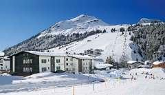 Ski Total | Chalet Montfort surrounded by piste