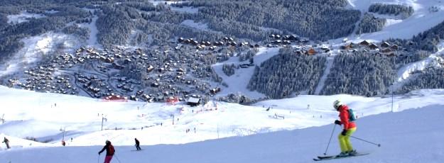 Ski Total | Skiing down to Meribel village
