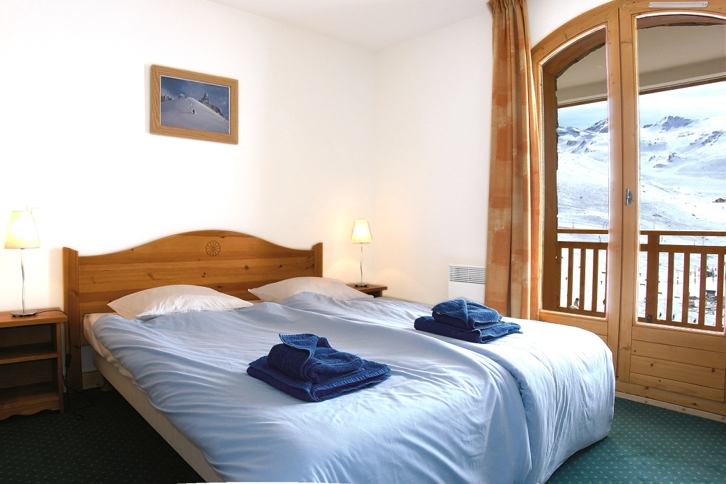 Ski Total | A typical bedroom in the chalet Olivier and Catherine
