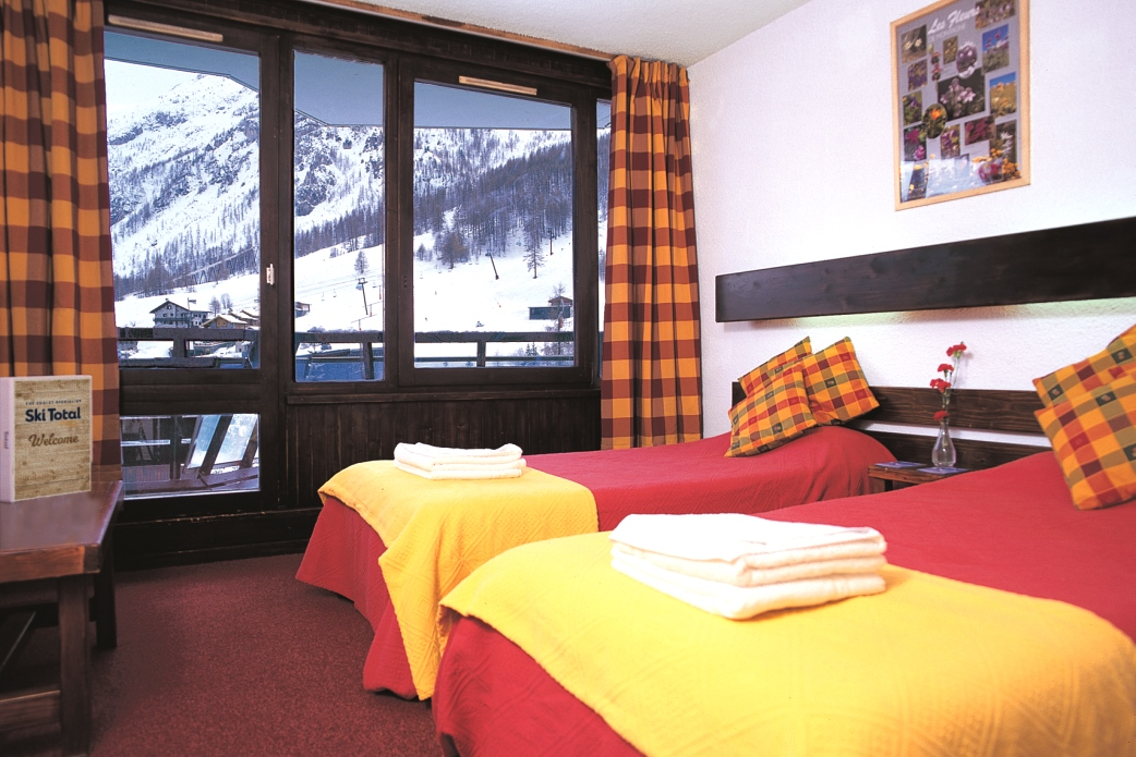 Ski Total | A typical bedroom in the Champs Avalins