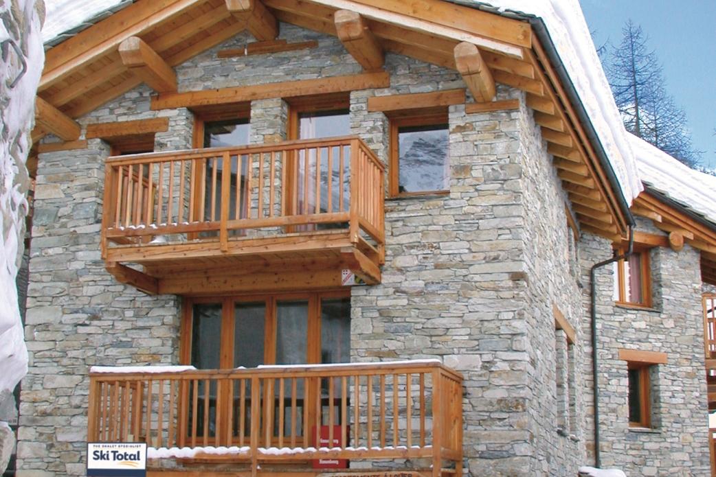 Ski Total   Exterior view of the chalet Bonnevie