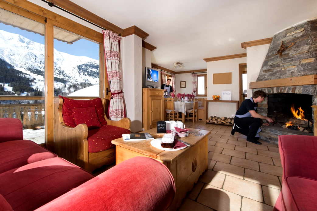 Ski Total | Lounge area leading onto the dining area