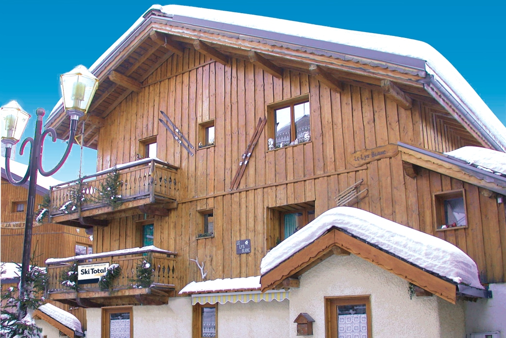Ski Total | Exterior of the chalet Lys Blanc