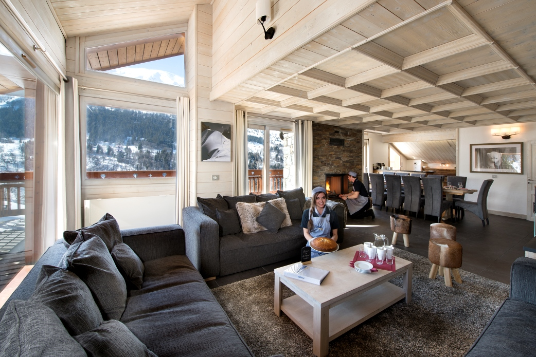 Ski Total | Lounge area in the chalet Cedre Blanc