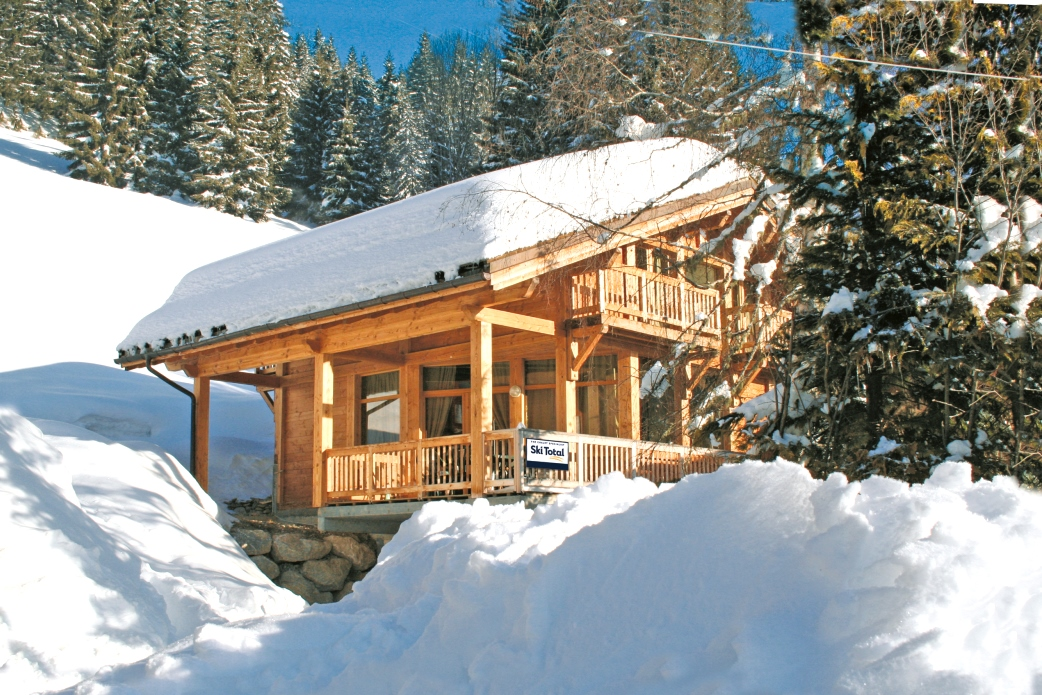 Ski Total | Exterior view of the Chalets