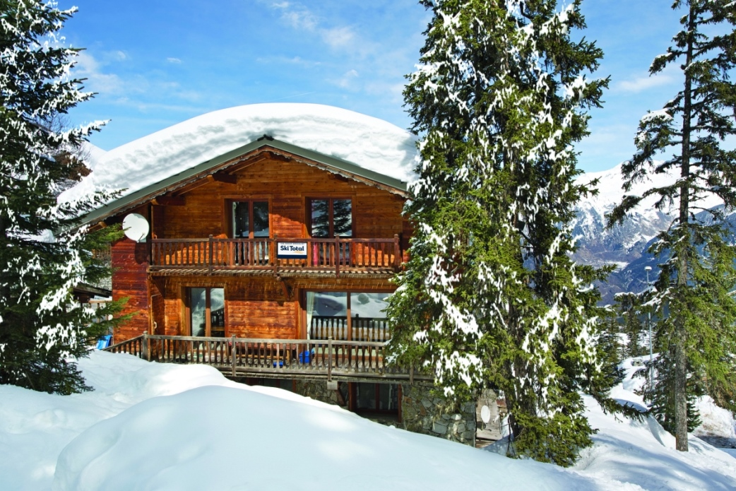 Ski Total | Chalet Chenus exterior view