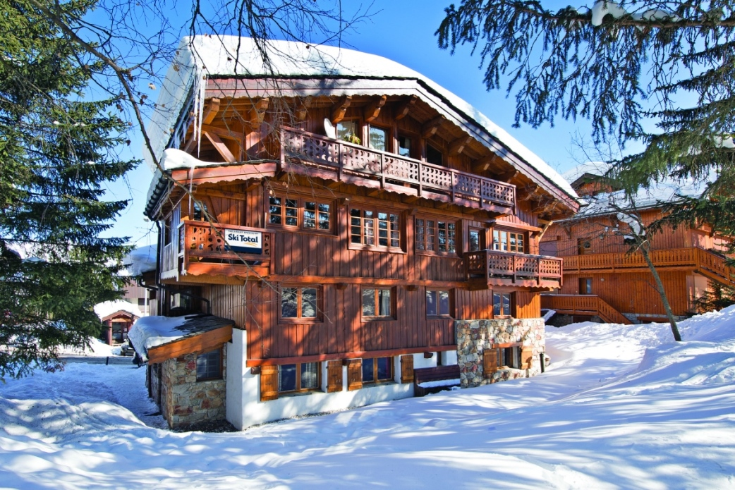 Ski Total | Exterior view of the chalet Elan