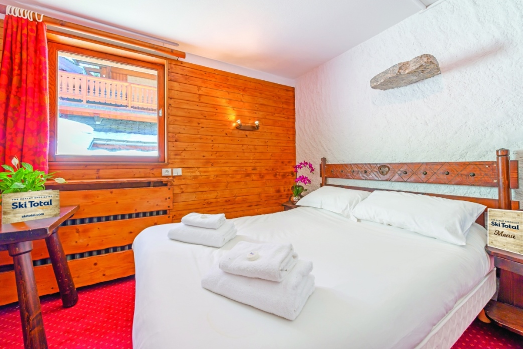 Ski Total | typical bedroom in the chalet elan