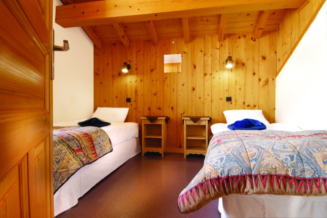 Ski Total | Typical bedroom in the Chalet Les Lauzes
