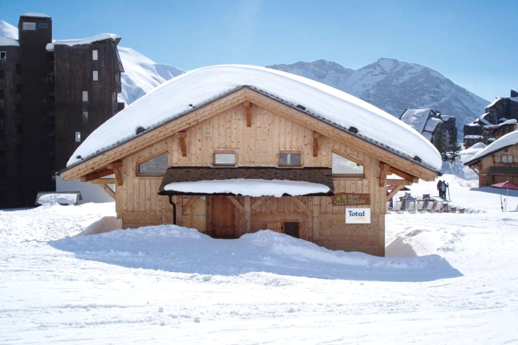 Ski Total | Exterior of the chalet Marie