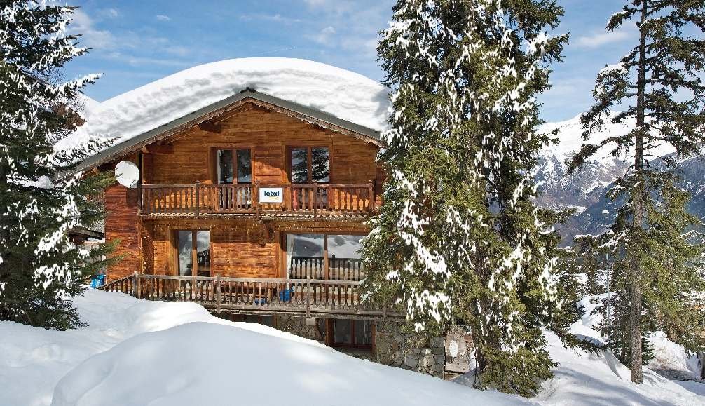 Catered ski chalets with hot tubs