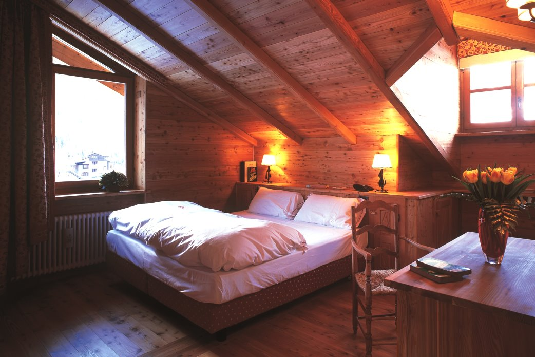 Ski Total | Bedroom 401 in the Chalet Hotel Breithorn
