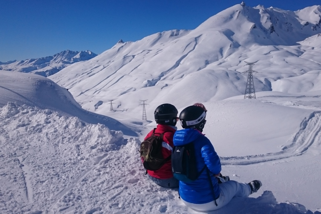 Ski Total | Taking a rest to enjoy the snowy view