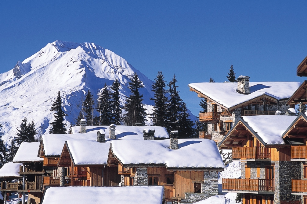 Ski Total | snowy rooftops in the centre of La Rosiere
