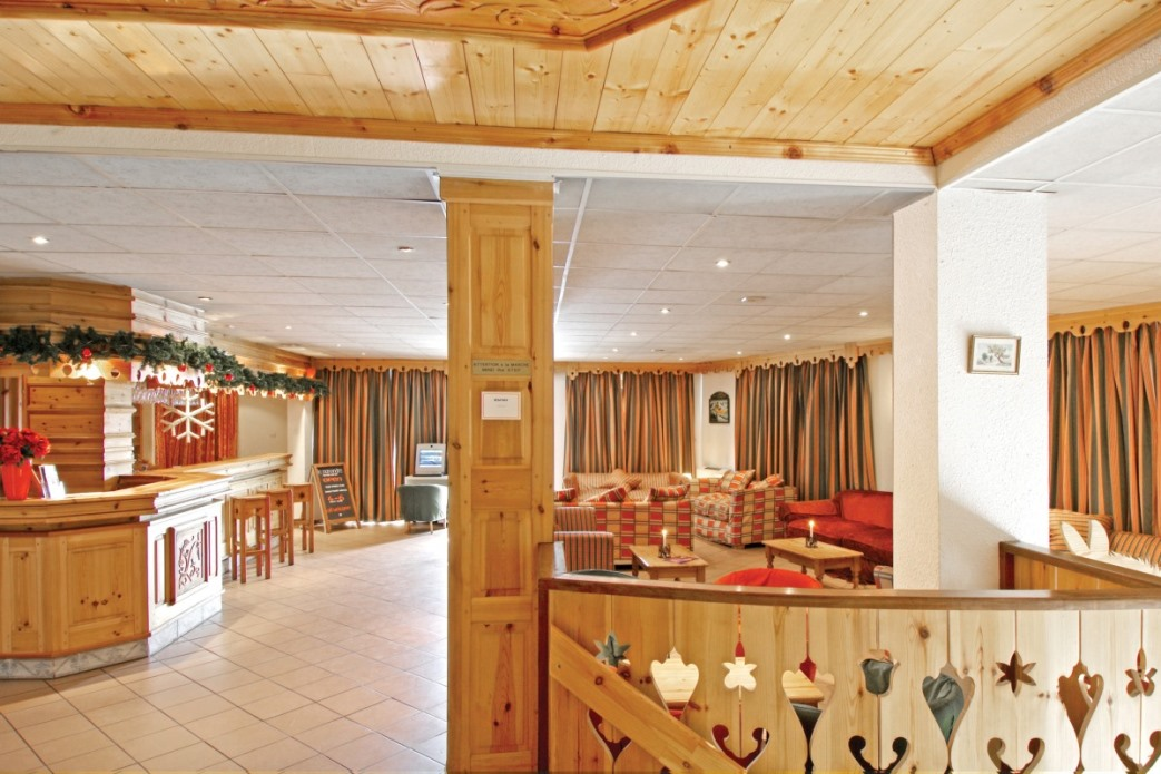 Ski Total | The lounge area in the chalet hotel mariandre