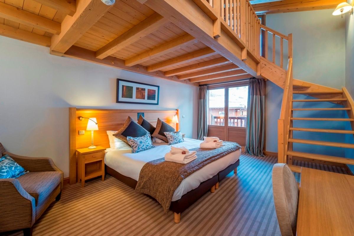 Ski Total | Deluxe Mezzanine Room 506