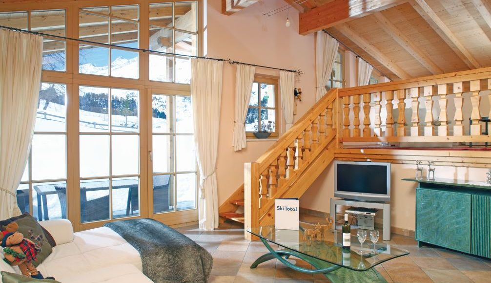 Ski Total | The lounge area in the chalet Angela