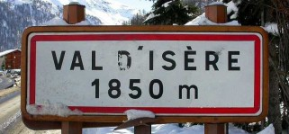 val-d-isere-signpost-welcome