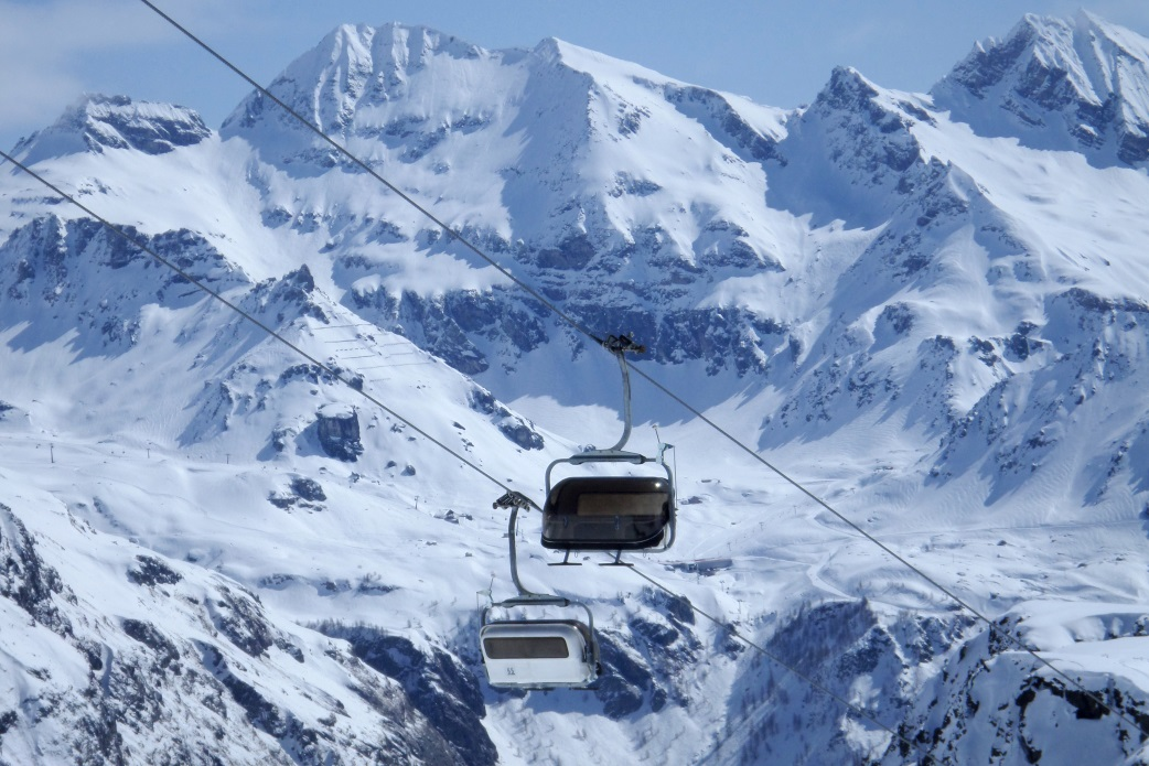 Ski Total | Cable car in the Monterosa valley Italy