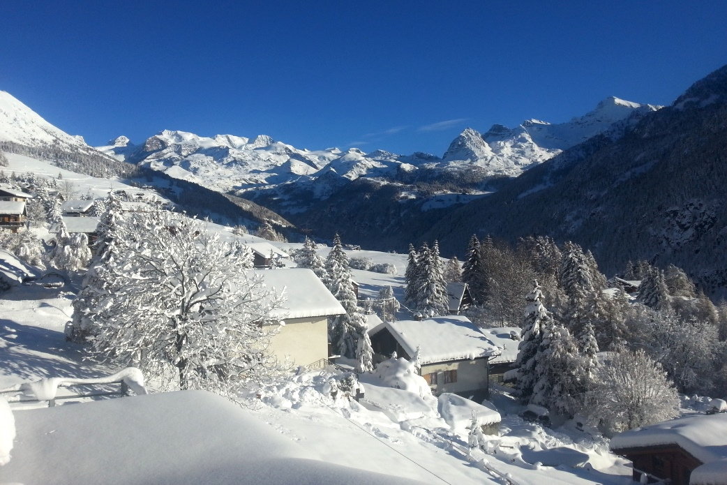 Ski Total | Gressoney looking nice and white at Christmas time
