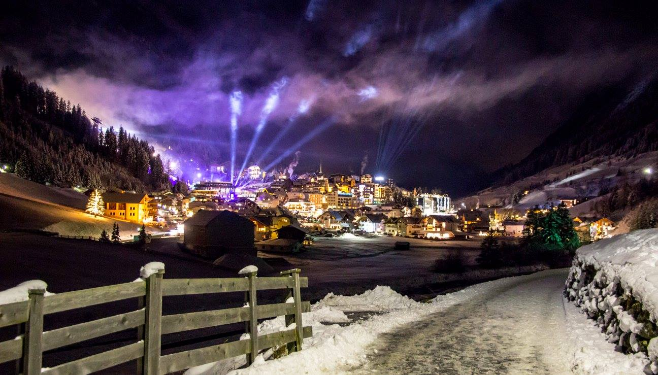 Head chef Aitor captures an incredible Ischgl at night!
