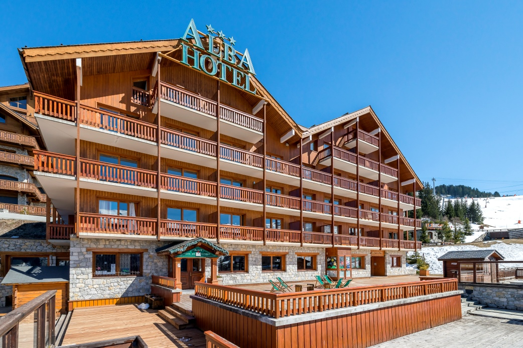 Ski Total | The sun terrace at the front of the Chalet Hotel Alba