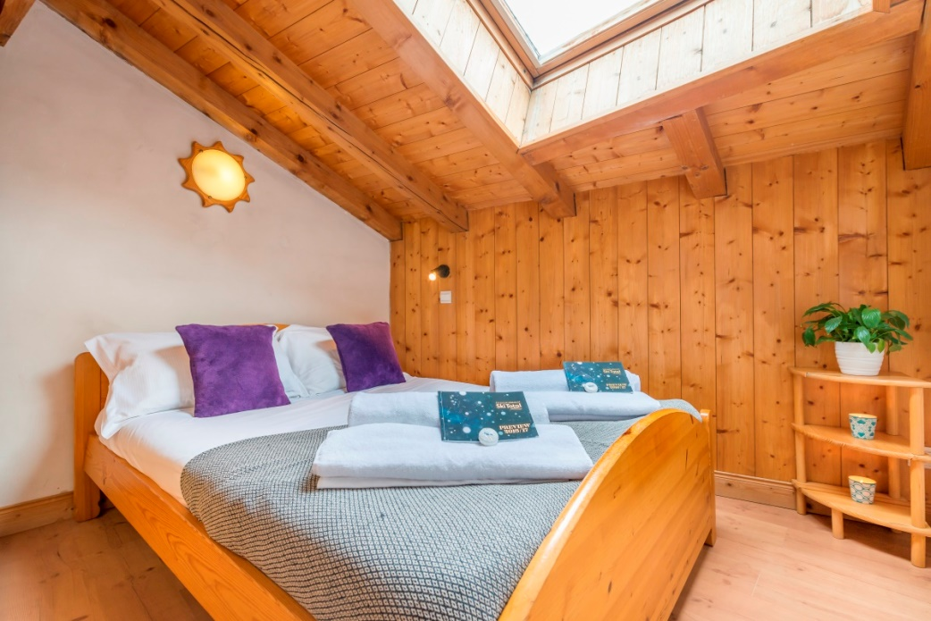 Ski Total | Double room in the Chalet Castor