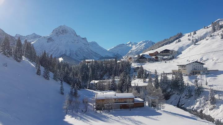 Ski Total | Snowy conditions in Lech