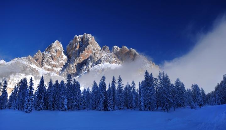 Ski Total   The Dolomite mountains